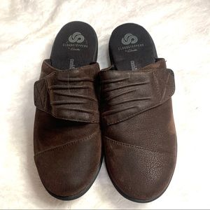 Clarks cloud steppers brown size 6